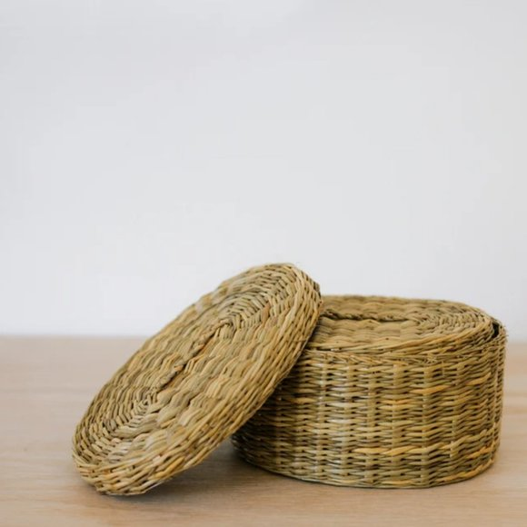 SOLD Woven Boxes with Lid/Straw/Grass Storage Box/Gift Box/Decorative